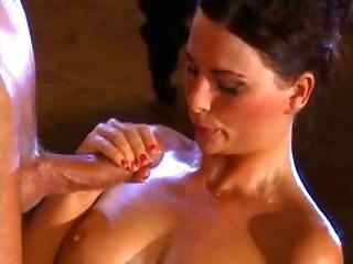 Jessica Fiorentino In Oiled Scene