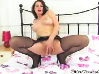 English milf Karina shares her masturbation skills with us