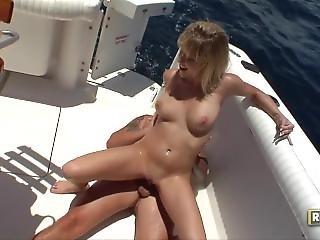 Beach Babe Sex