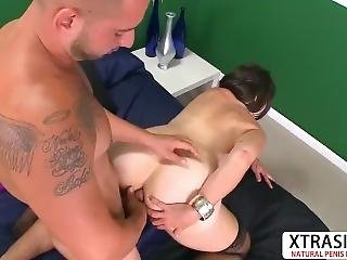 Hot Auntie Sindy Silver Gets Fucked Well Teen Friend