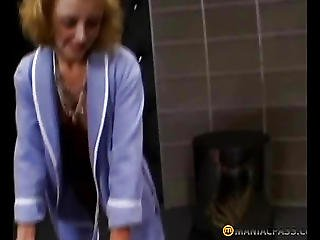 Aunt Fucks His Leg Crushed