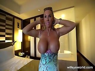 Wifey Gets Off Before Swallowing Cum