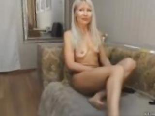 super fit Gorgeous Blonde Milf Plays And Cums