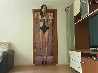 Extremely Tall Ekaterina Lisina