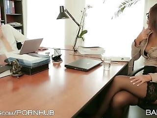 Secretary Gets Pounded In Stockings & Heels