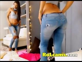 Awesome Teen In Jeans Stripping On Webcam