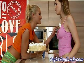 Amateur Lesbos Pussy Licking After Food Fight