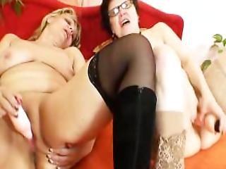 Amateur Grannies Kinky Lesbian Fuck Hole Games