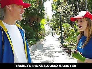 Familystrokes Misty Look Alike Blows Brother For Pokemongo