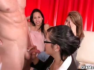 Cfnmshow - Jerking It At The Studio !