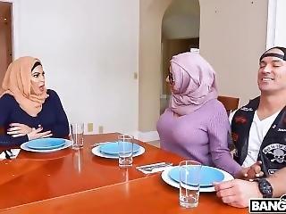Bangbros - Arab Hijab Mom Julianna Vega And Hijab Daughter Violet Myers