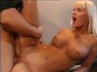 Bibi Blue - Kate Die Laufige Raubkatze