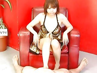 Reimi Fujikura Feels Amazing With Her Pussy Pumped