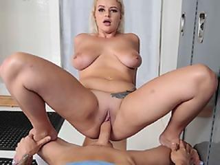 Nikki Wraps Her Luscious Lips Around A Bigcock