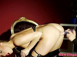 Glamorous European Lezzies Seducing Pussies