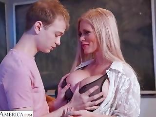 Casca Akashova Fuck Her Student - Naughty America