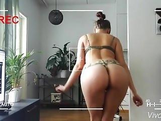 Chica Bomb - Jserotic