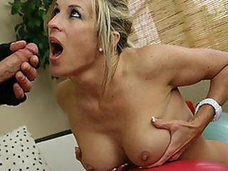 Wankz- Cougar Gianna Phoenix Out Fucks Her Trainer