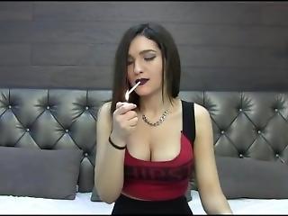 Brunette Smoking Webcam Liptick