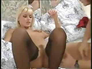 kociak, murzynka, czarne pończochy, blondynka, obciąganie, wytrysk, ruchanie, gwiazda porno, pończocha, klasyczny