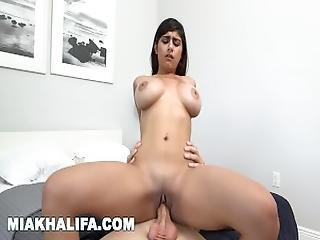 Mia Khalifa   Sean Lawless Gets His Dick Sucked In The Shower