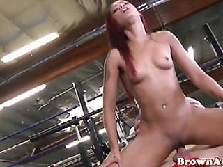 Redhead Booty Babe Cockriding At Gym