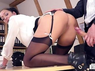 Bums Buero - German Secretary Enjoys A Raunchy Office Fuck With Her Boss