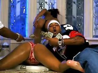 Nelly Feat. St. Lunatics - Tip Drill
