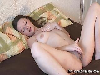 Huge Pussy Lips Femorg Babe Vibes To Orgasm With Strong Contractions
