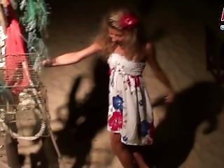 댄스, 수음, 작은 가슴, 하이틴