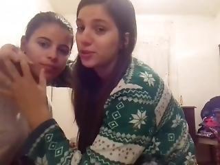 Beijo De Novinhas Lesbicas Brasileiras