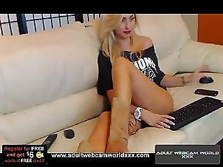 Sexy girl howls fist