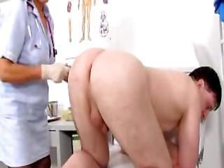 A Tugjob With Dirty Grandma Linda At Fetish Clinic