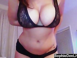 Big Tit Brit Sophie Dee Stuffs Her Wet Pussy