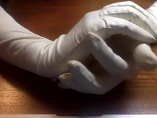 Magnificent White Vintage Unlined Soft Leather Gloves