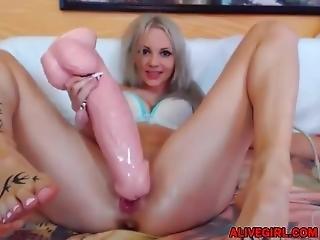 Cute Blond Babe Jade_ireland Loves Dp And Huge Dicks