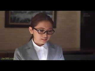 Ooba Yui Secretary Fuck Her Boss 1