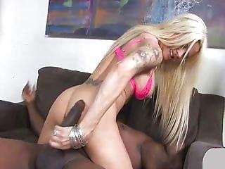 Helly Mae teaches her daughter to fuck a BBC
