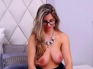 Hottie With Perfect Body Strippingn - Private Show 1