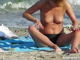 Topless Bikini Milfs Beach Voyeur