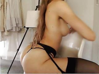 Cam Girl With Fit Body