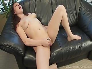 Babe Gets Very Kinky On The Sofa