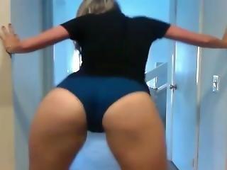 White Girl Shaking Huge Ass