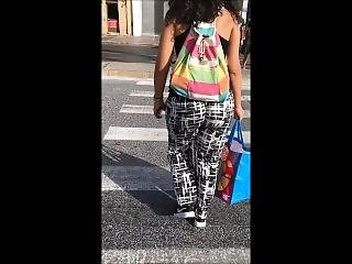 So Juicy Bubble Bouncy Booty Girl. Candid Hot Jiggly Ass Walking In Public!