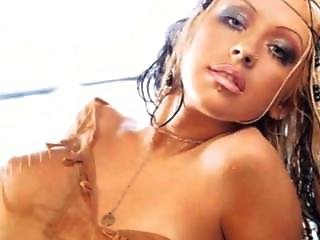Christina Aguilera Nude!