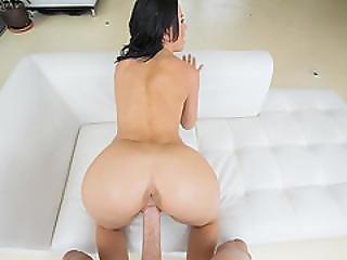 Sexy Teen Gal Kelly Diamond Cum Showered