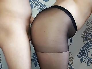 Quick Sex With A Young Bitch In Pantyhose.