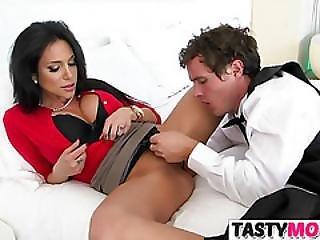 Jaclyn Taylor Teachs Megan Rain How To Fuck