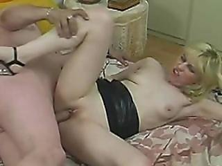 Kinky Hubby Fucks His Wife With A Banana Before Puts A Dick In Her Vagina