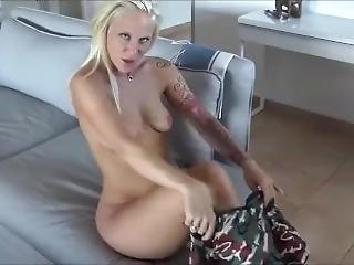 Blonde Tattoo Schlampe